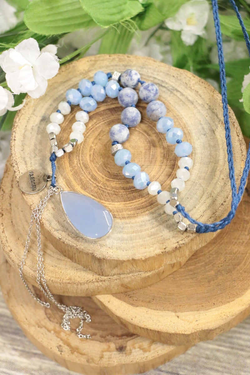 In Ocean View Beaded Necklace With Pendant In Blue