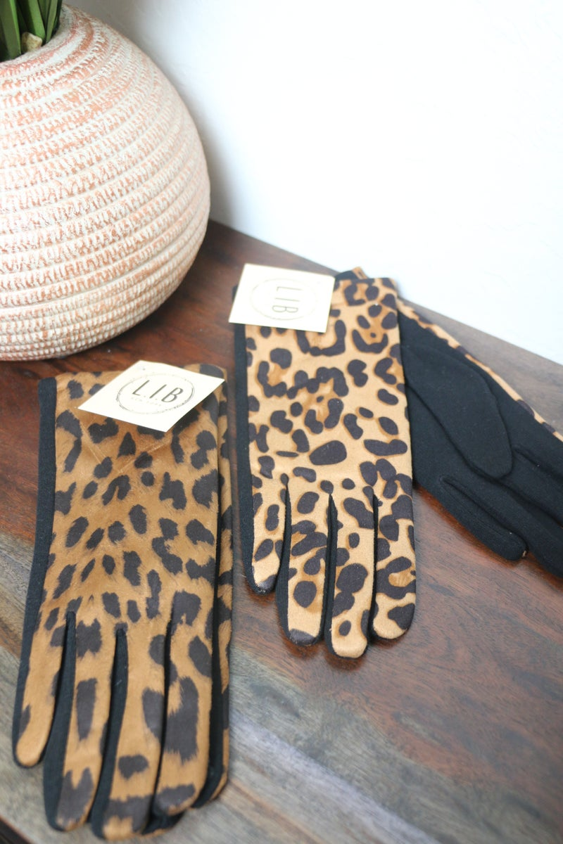 Stay Cozy Leopard Lined Glove in Multiple Colors
