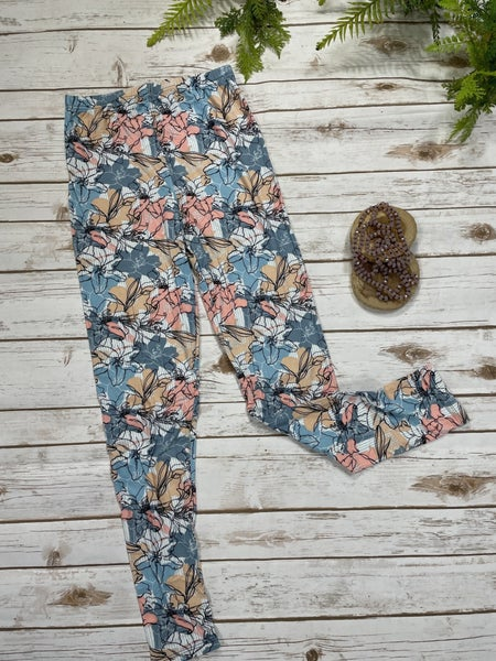 Floral Beauty Lady's Legging And Point Of Perfection Necklace Bundle - Sizes 4-20