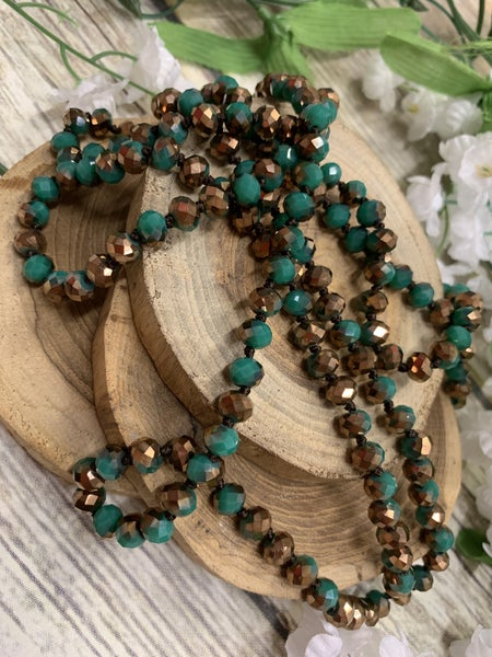 Jungle Green Point Of Perfection Beaded Necklace