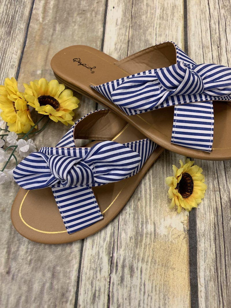 Lovin' Summertime Sandals w/ Criss Cross Knotting