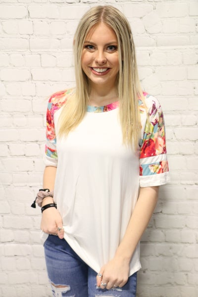 Feeling Alive Floral Top In White Sizes 4-10