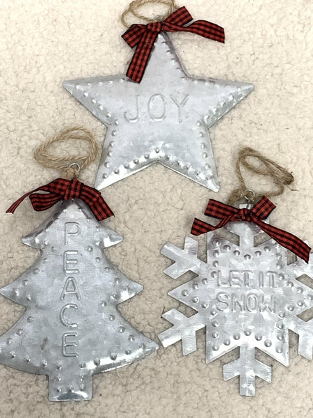 Hammered Tin Ornaments with Bow in Multiple Prints