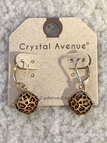 Love This Square Leopard Drop Earring In Gold