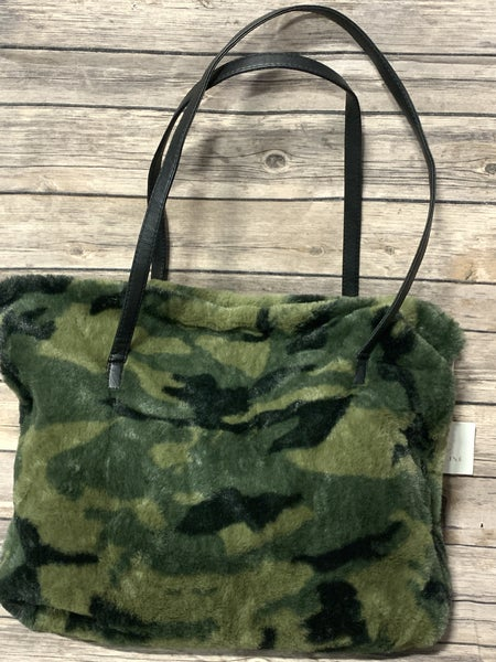 It's In The Bag Camo Fur Zipper Tote Bag