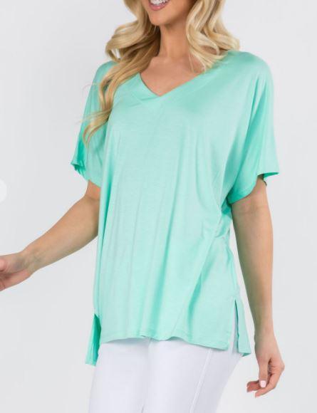 V-Neck Basics Shirt