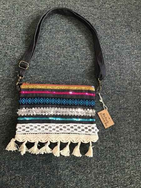 NATURAL LIFE CROSSBODY PURSE