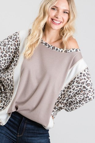 DOLMAN SLEEVE ANIMAL PRINT TOP