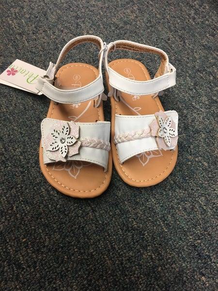 Petalia White Flower Sandals