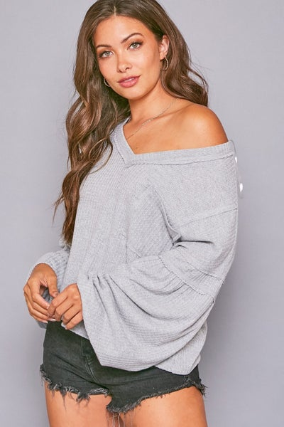 SOLID WAFFLE V NECK KNIT TOP