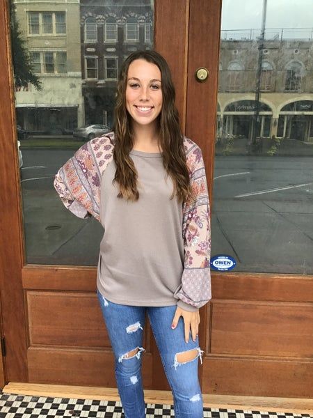 LONG SLEEVE TOP WITH CONTRASTED FLORAL PATCH PRINT