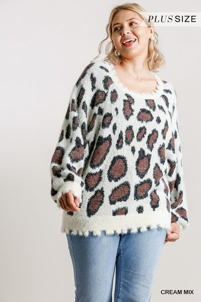ANIMAL PRINT LONG SLEEVE PULLOVER