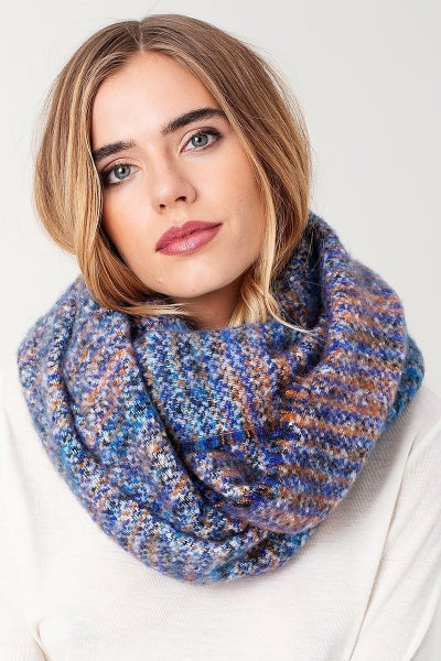 Finch Infinity scarf