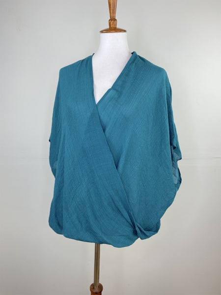 The Twisted Teal Top
