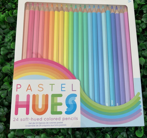 Set of 24 Pastel Colored Pencils