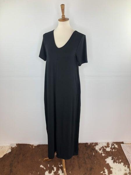 Black V-Neck Short Sleeve Maxi Dress