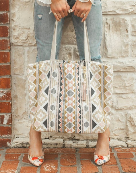 The Makeup Junkie Ideal Everyday Tote in Boho Babe