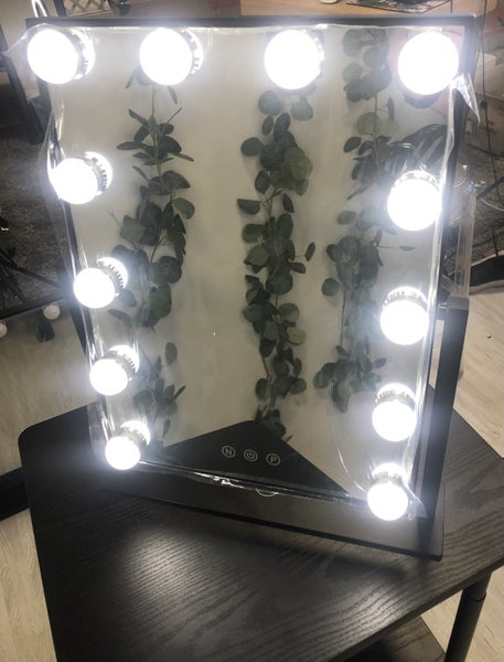 12 Bulb Vanity Mirror