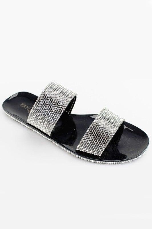 Model Status Sandal