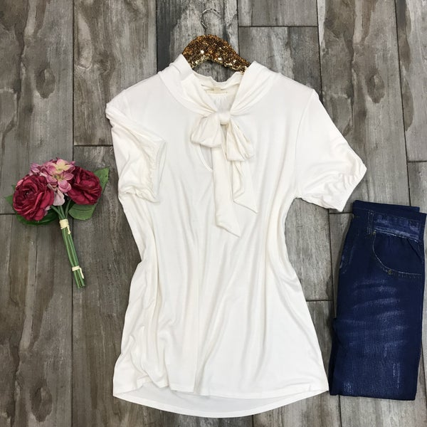 Short sleeve front bow tie top