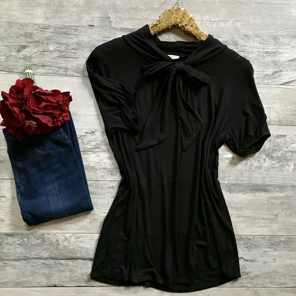 Short Sleeve Front Bow Tie Top Black