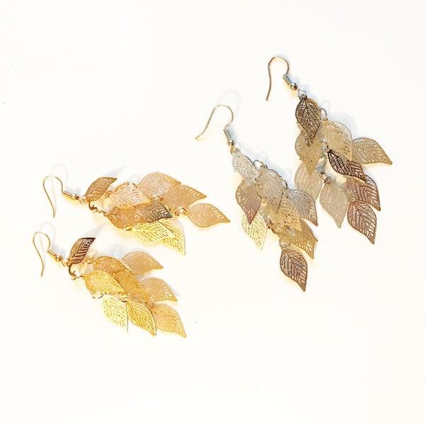 Dangling Filigree Leaf Earrings