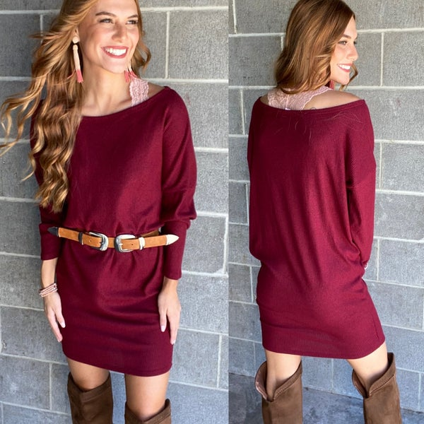 Dust Your Shoulders Off Dress | Burgundy