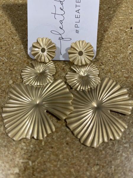 Golden Shells Earrings