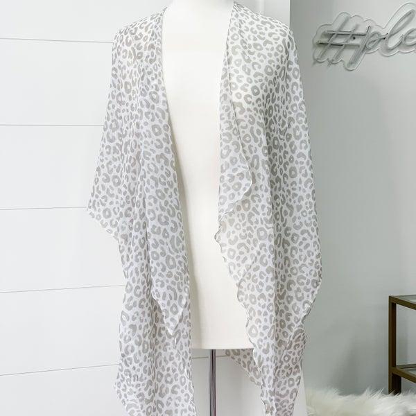 Chic Leopard Kimono