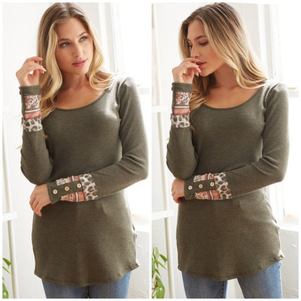 LAST CHANCE FINALSALE Olive Button Cuff Print Sleeve Top