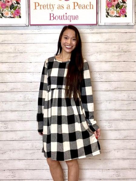 FINAL SALE Black & Ivory Buffalo Plaid Pocket Dress