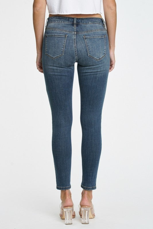 Darker Wash Non-Distressed Mid-Rise Skinnies