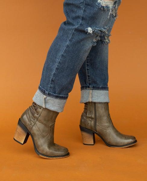 Pierre Dumas Block Heel Boot