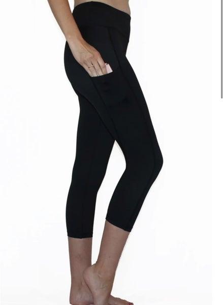 Black Pocket Capri Leggings