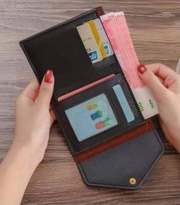 Feeling Fancy Button Wallet
