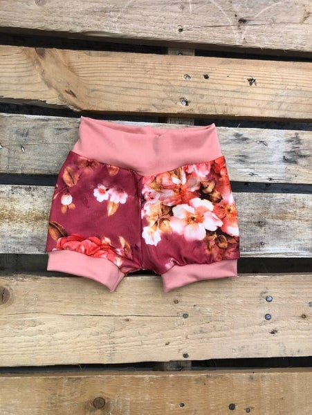 Blossom Shorties : Jena Bug Baby Boutique