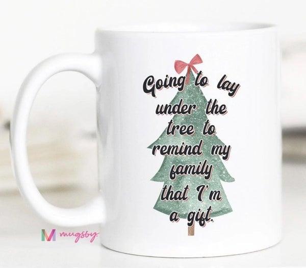 'I'm a Gift' Christmas tree mug