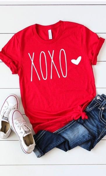 XOXO Valentine graphic tee