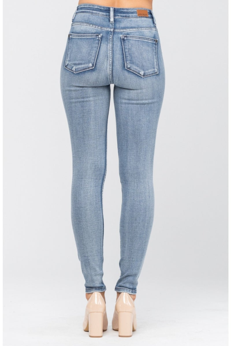 Judy Blue Light-Wash High-Rise Handsand Jeans