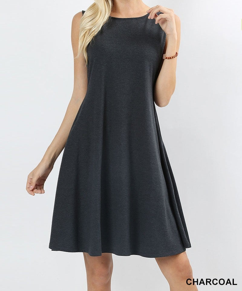 Sleeveless Classic A-line dress with pockets