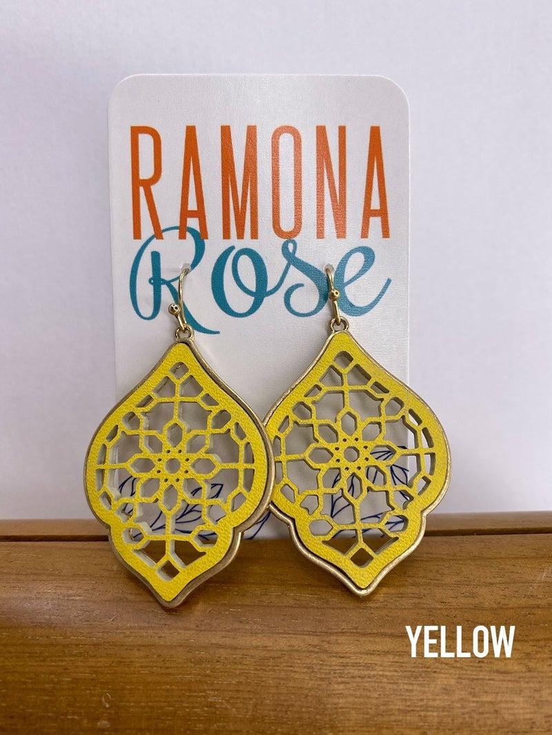 Moroccan-shaped laser cut dangle earrings