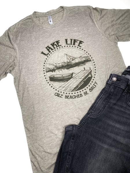 'Lake Life . . 'Cuz Beaches Be Salty' graphic tee
