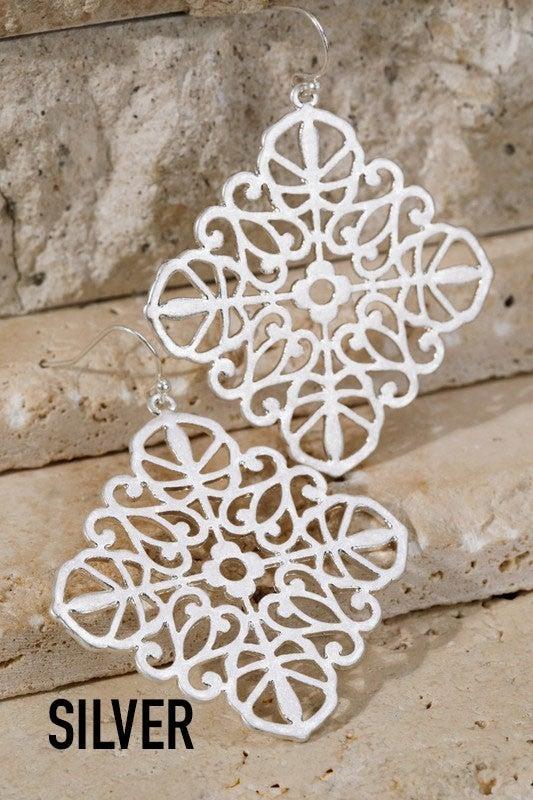 Filigree metal diamond-shape earrings