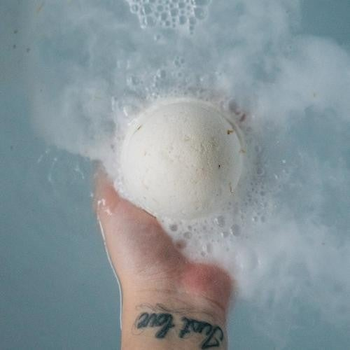 Honey Mango Bath Bomb : Mountain Madness Soap