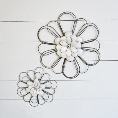 WHITE WALL FLOWER
