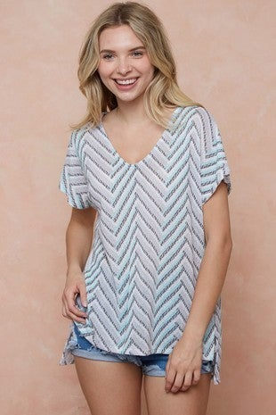 Vintage hacci geo print short sleeve knit top with side slits