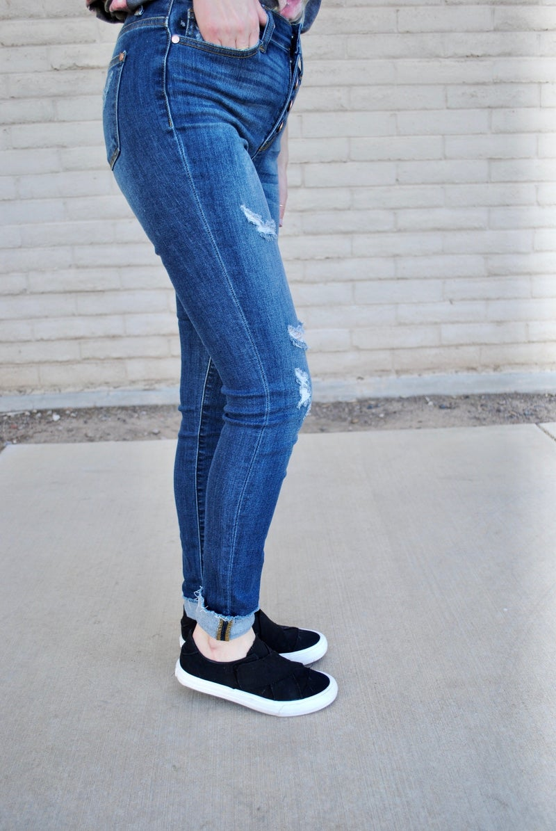 Judy Blue Button Fly Distressed Skinny