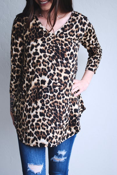 Leopard V-neck, 3/4 sleeve