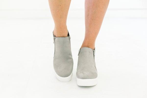 Taylor Sneaker