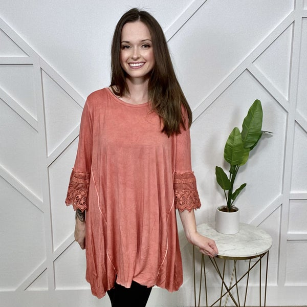 Oil Washes Tunic w/lace Sleeves